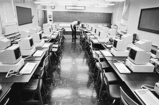 γιατί έμεινα απόφοιτος λυκείου - ιστορίες υπολογιστών 12