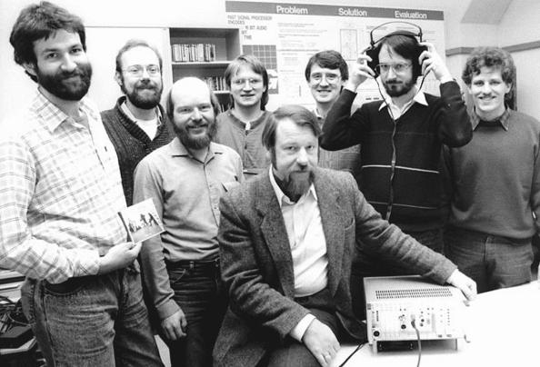 Από αριστερά προς τα δεξιά: Harald Popp, Stefan Krägeloh, Hartmut Schott, Bernhard Grill, Heinz Gerhäuser, Ernst Eberlein, Karlheinz Brandenburg, καιThomas Sporer.