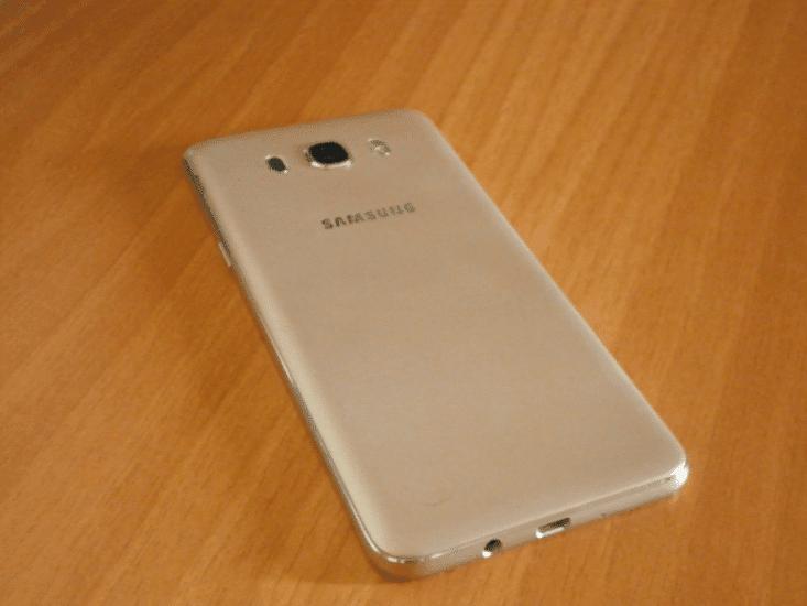 Παρουσίαση Samsung Galaxy J7 2016 02